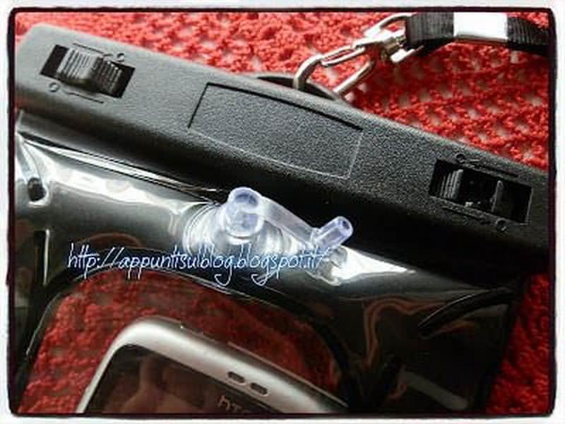 Custodia Water Proof per proteggere il cellulare dalle intemperie