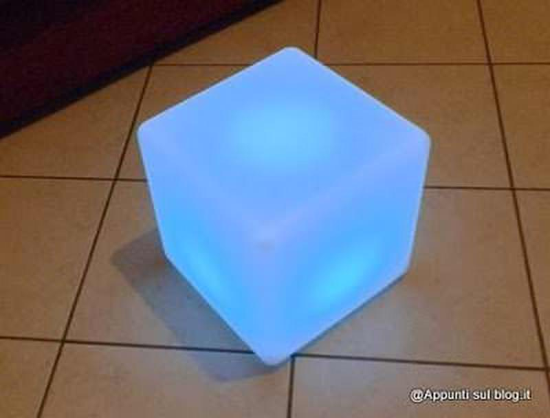 Cubo 16 LED colorati per interior design 8 arredamento