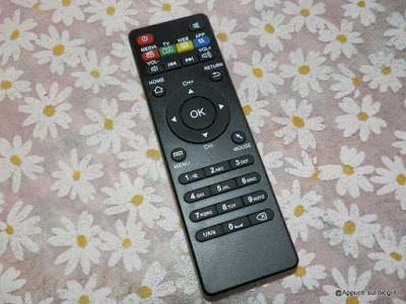Emish TV Box Android per trasformare la tv in smart tv