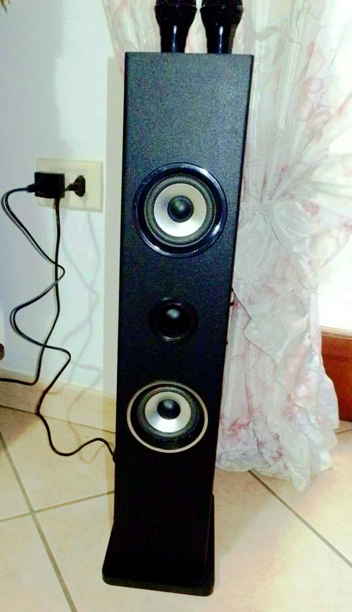 auna Karaoke Karaboom a torre adatto per piccoli ambienti
