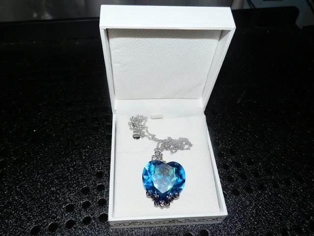 Lady Colour: cuore in cristallo blu per donne romantiche