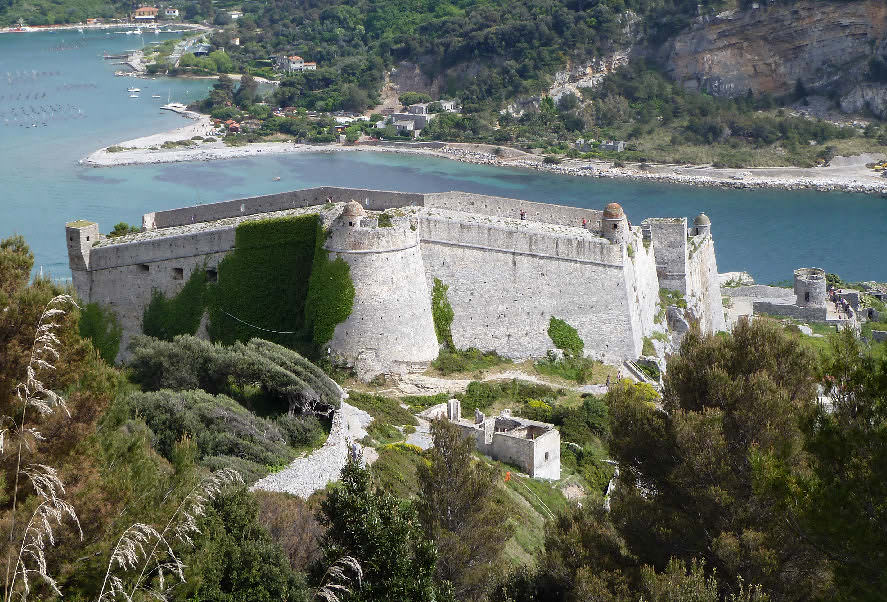 Portovenere: Santuario della Madonna Bianca e dintorni 1 bus e traghetto 2018