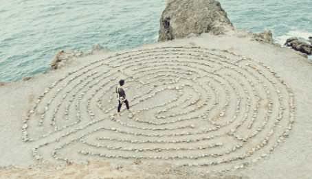Zen, la meditazione camminata liberatoria in 4 mosse
