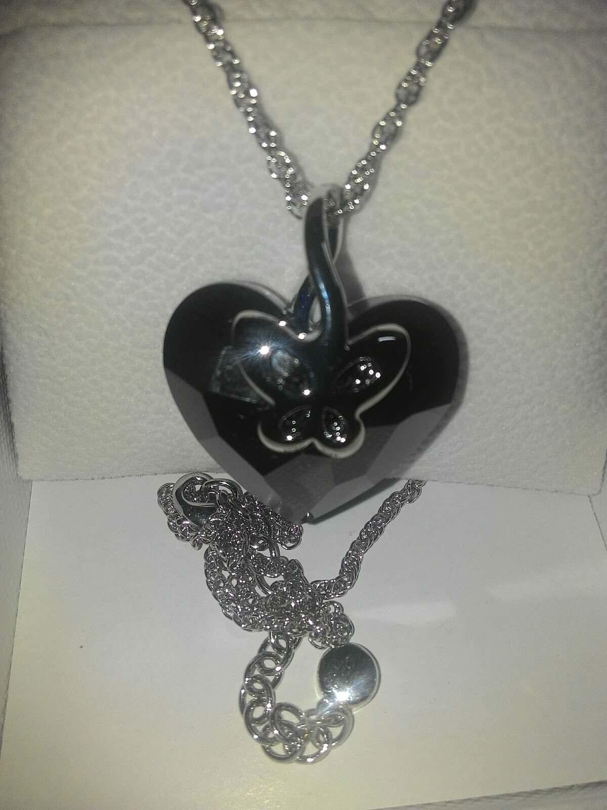 collana con cuore e farfalla pulsante jnina 4