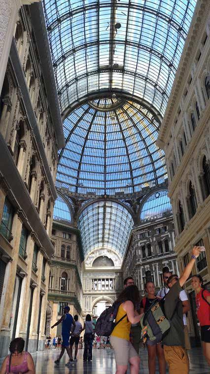 Galleria Umberto I regno degli sciuscià a Napoli 3 Arte e Cultura
