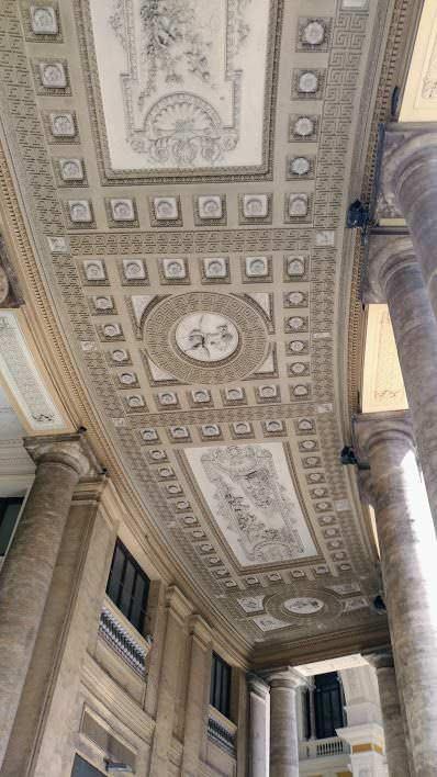 Galleria Umberto I regno degli sciuscià a Napoli 1 Arte e Cultura