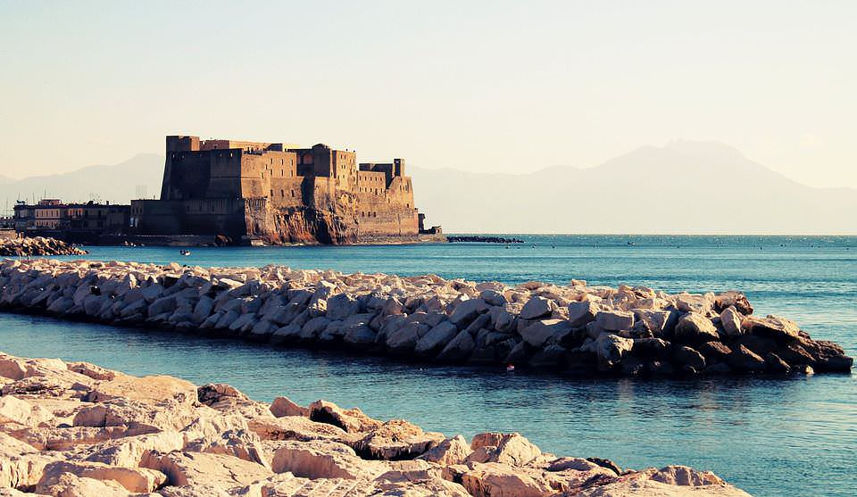 Napoli, 12 siti tra arte, pizza e caffè espresso