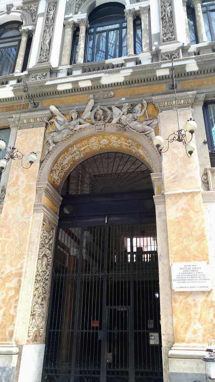 Galleria Umberto I regno degli sciuscià a Napoli 9 Arte e Cultura