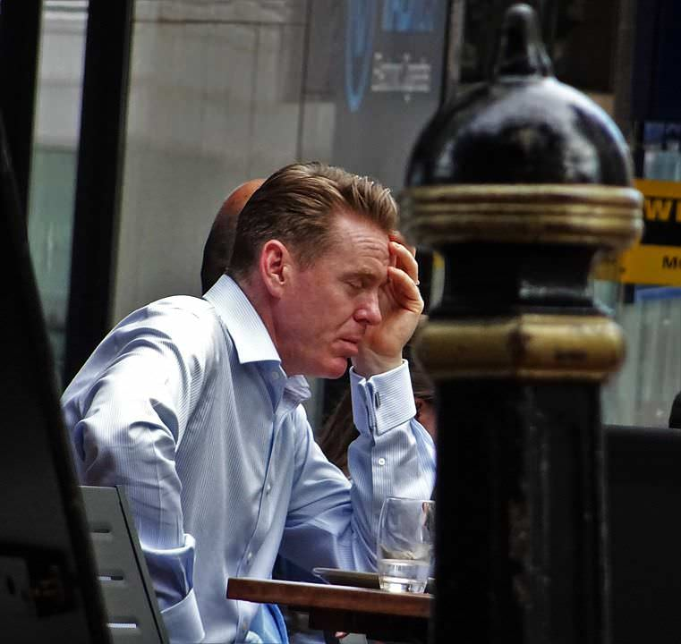 Perché ci sentiamo stanchi e s'invecchia precocemente?