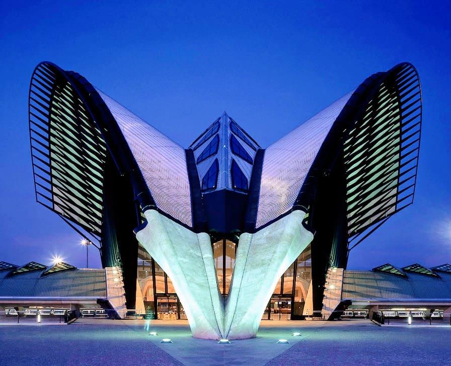 8 edifici ultramoderni: palazzi o farfalle?