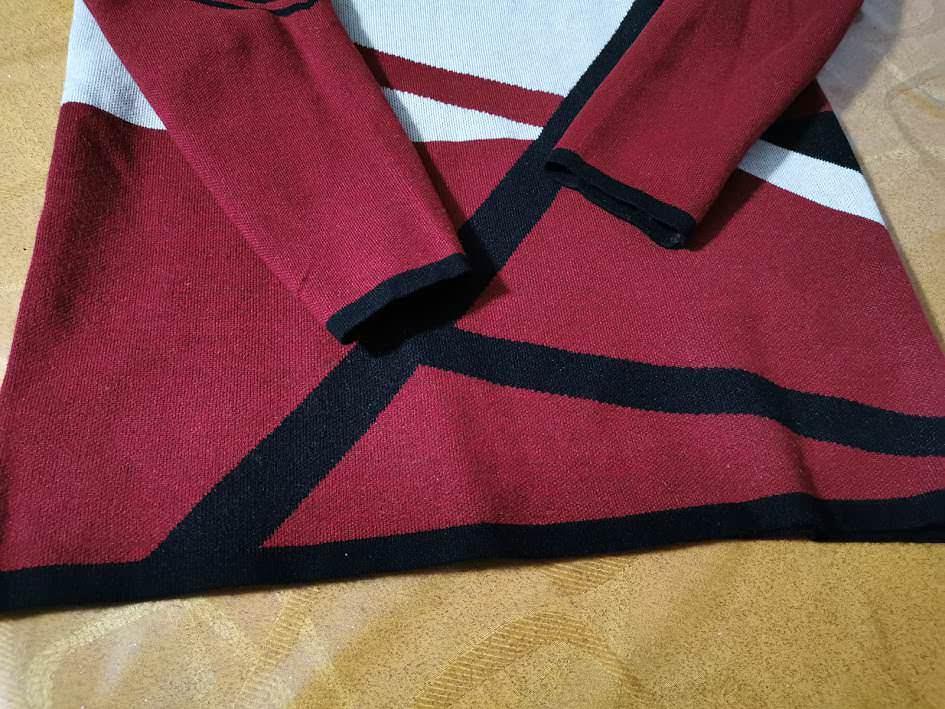 Geometric Print Long Sleeve Pullover Sweater