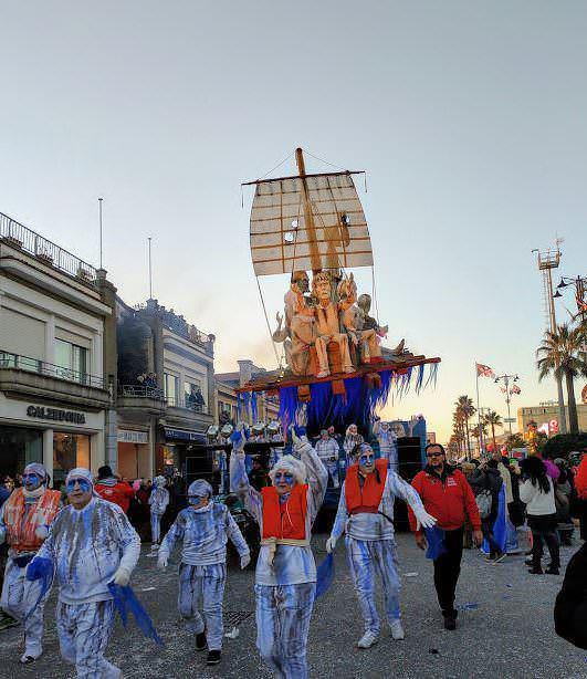 Trucco, carri e sfilata al Carnevale di Viareggio 2019