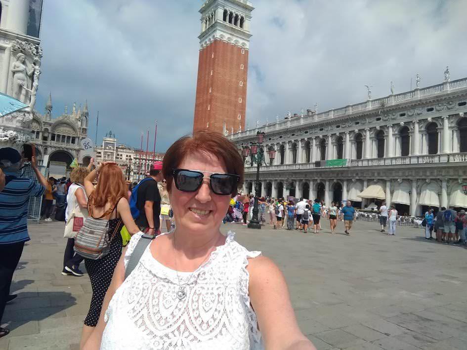 Conteggio turistico carnevale Venezia con i cellulari