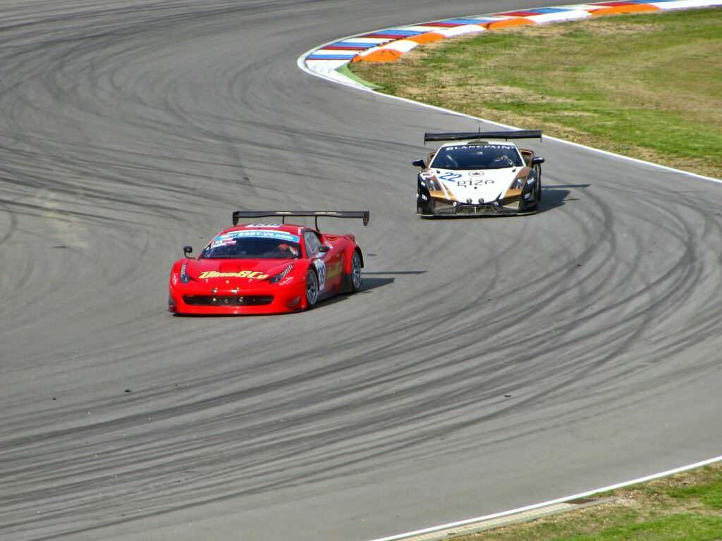 Guida una Ferrari su pista con Smartbox