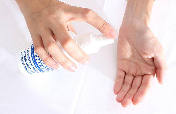 Disinfettante o lavaggio delle mani: quale più efficace?