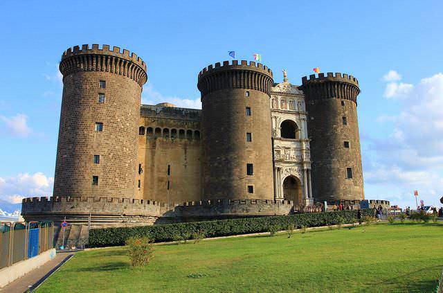 7 Castelli di Napoli, storia attrazioni turistiche