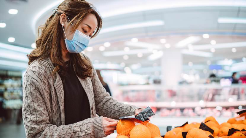 Disimballare la spesa con la tecnica sterile no touch in modo sicuro