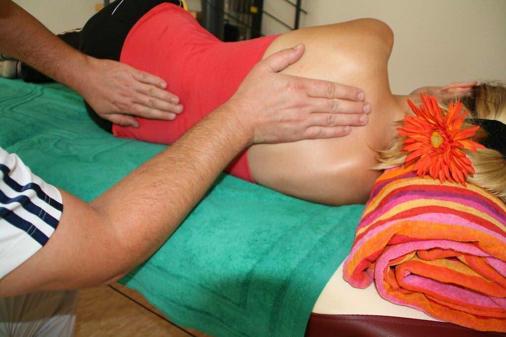 Mal di schiena: 10 rimedi efficaci per alleviarlo