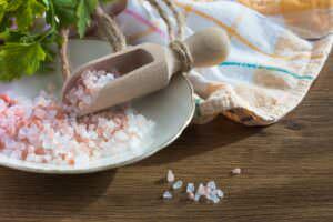 Disinfettare con il sale, 15 consigli per pulizie ecologiche fai da te
