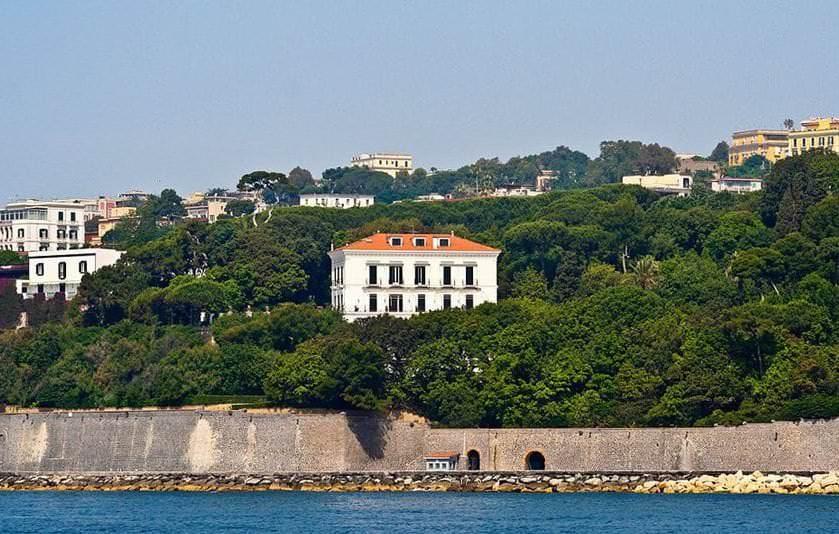 9 Palazzi e Ville di Napoli dal Neoclassico al Liberty