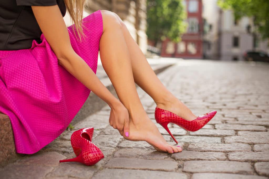 Come evitare la comparsa di calli da scarpe nuove: 9 consigli