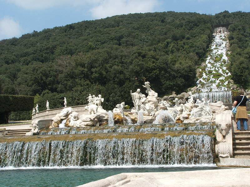 caserta reggia fontana di venere e adone