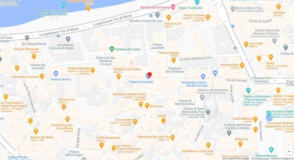 Via dei Coronari negozi e rosari a Roma