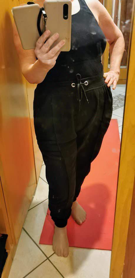 tuta pantaloni nera