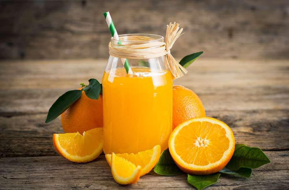Succhi di frutta fatti in casa ricchi di vitamine