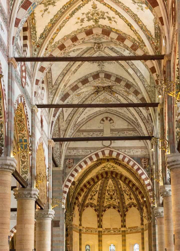 Verona medievale monumenti della piccola Roma: 10 cose da vedere. Cattedrale di Verona - Duomo - interni