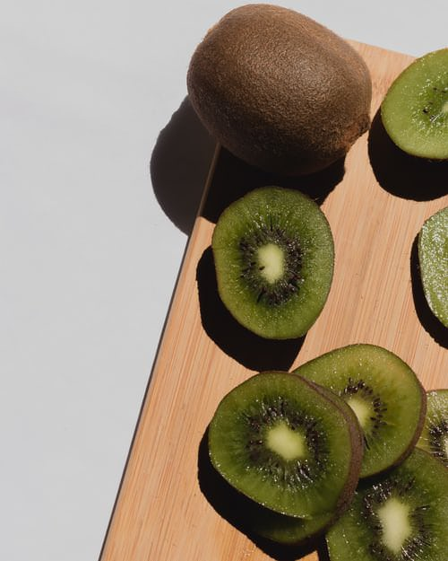 Kiwi 8 benefici per le donne dopo 60 anni